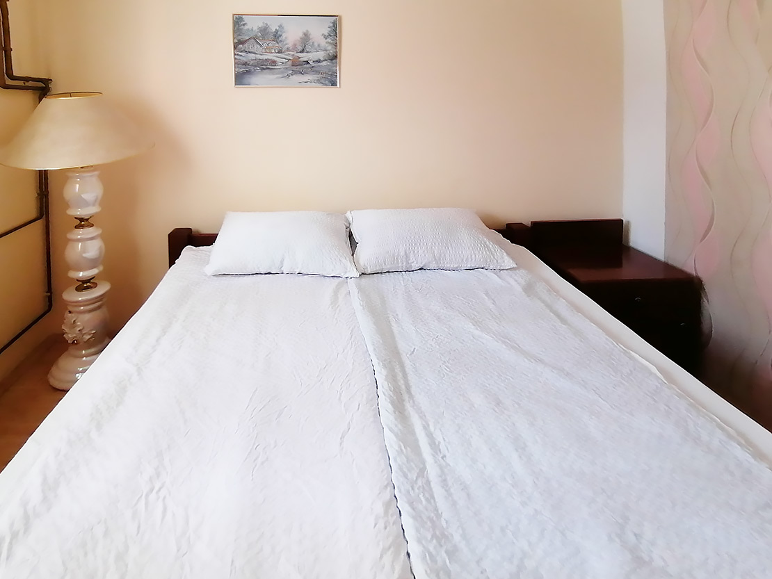 A1 - Spavaća soba 2: francuski ležaj