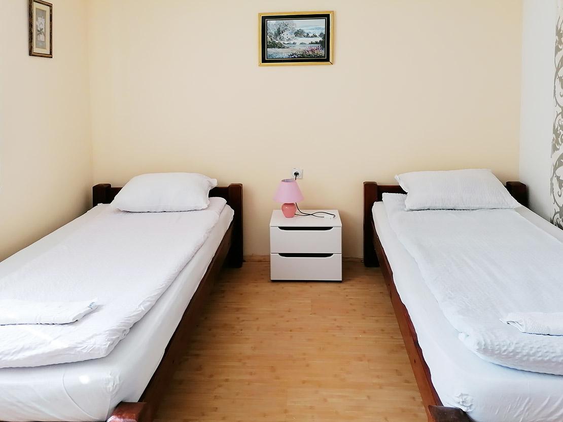 A1 - Spavaća soba 1: 2 kreveta