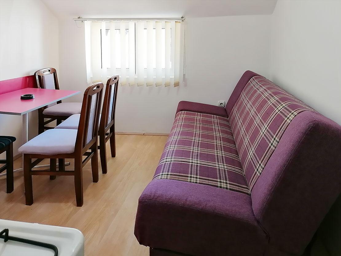 A8 - Kuhinja: krevet na rasklapanje