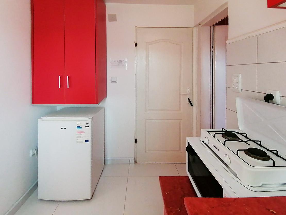 A9 - Kuhinja: frižider