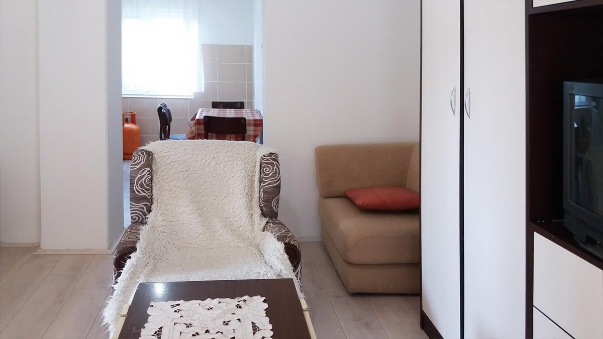 Apartman Aronija - Dnevna soba: fotelja